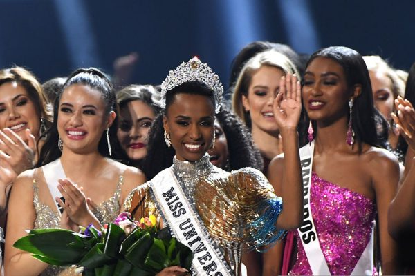 Zozibini Tunzi Miss Universe 2019 เตรียม เตรียบพบเจอ